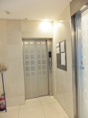共用部にある防犯カメラで夜やお出かけ時安心です!防犯対策充実しています☆