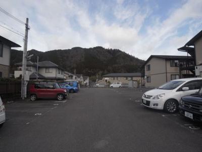 【駐車場】カーサビアーレ