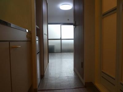 廊下から見たお部屋です