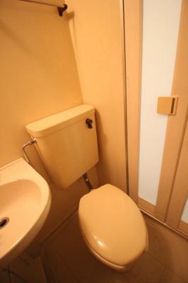 バスルーム内トイレ