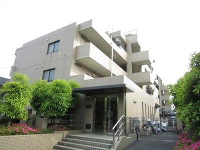 グリーンライン「北山田」駅より徒歩6分の5階建てマンションです♪!スーパーやドラッグストアが近くて日々の生活に便利な立地☆