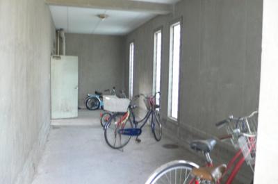 屋根付き駐輪場・バイク置き場