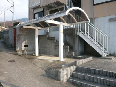【バンブーハイム】【神鉄六甲駅】屋根付き駐輪場が敷地内にございます。