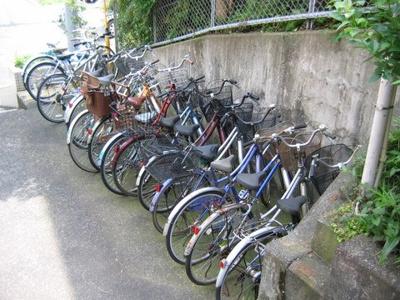駐輪場完備しています!荷物が重いときに自転車があれば助かりますね♪