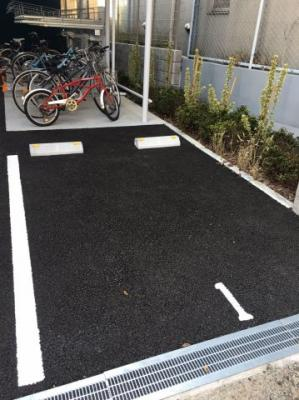 ベルメゾン若林の駐車場