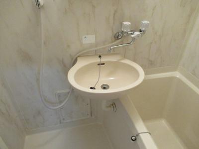 コンパクトで使いやすい洗面