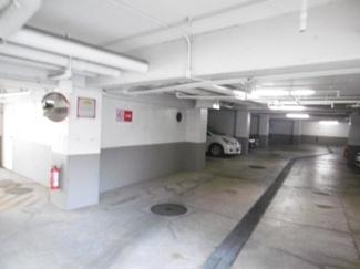 地下駐車場内の様子です