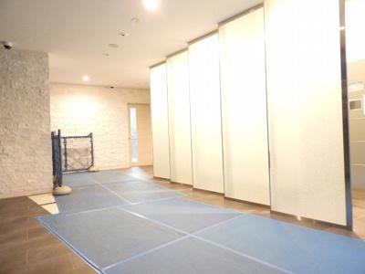 【エントランス】アドバンス西梅田ラシュレ