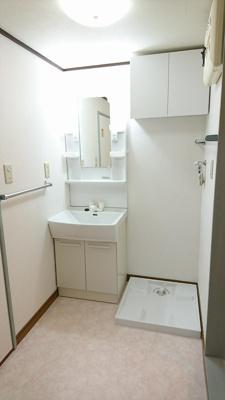 脱衣所及び洗濯機スペース
