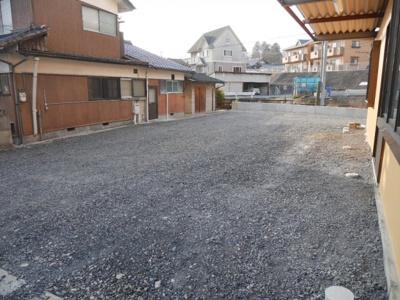 【駐車場】川崎 貸事務所17坪