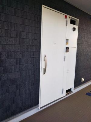 リブリ・検見川町の玄関