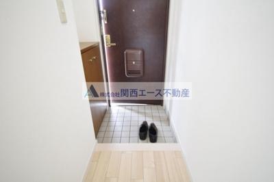 【玄関】ロイヤルヴィラ・壱番館