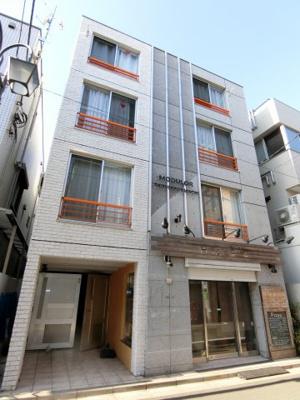 15戸あるマンションです。 京王新線「初台」駅より徒歩7分