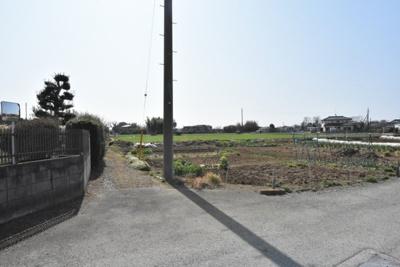 【前面道路含む現地写真】鴻巣市原馬室 売地(市街化調整区域-専属)