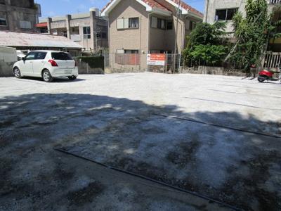 【外観】沖工前駐車場