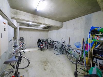 駐輪場完備です