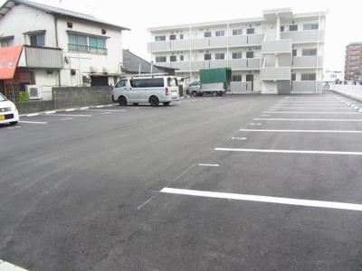 【駐車場】エリタージュ