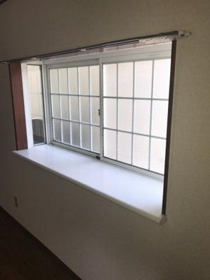 出窓♪素敵な置物などを飾ってみてはいかがでしょうか?