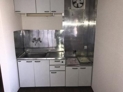 お料理しやすいキッチンです。お好みの2口ガスコンロが置けます!