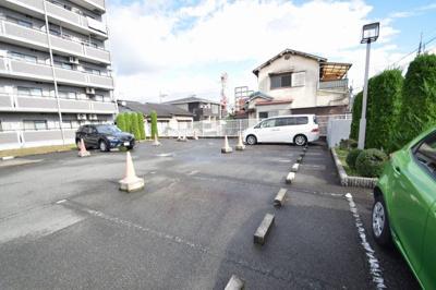 【駐車場】リノベーションミウラ スモッティー阪急高槻店