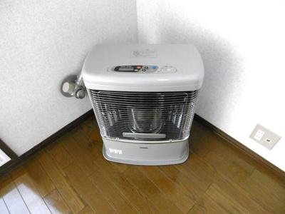 FFストーブは配管済みですので、自分で給油する必要がありません。寒い冬も安心!