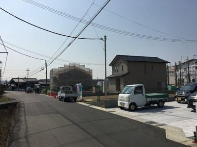 【前面道路含む現地写真】粟生町7号地