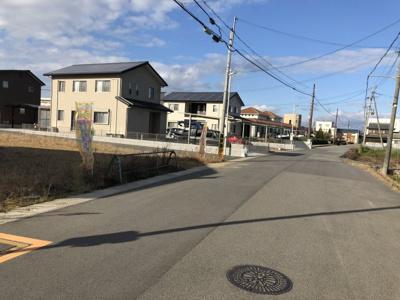 【前面道路含む現地写真】粟生町9号地
