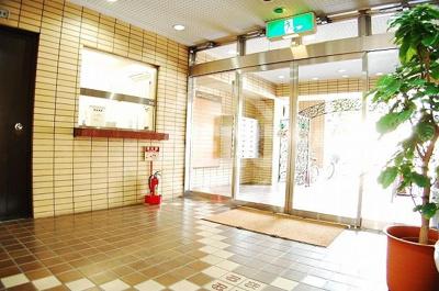 ニューライフ御堂筋本町 エントランスアプローチ