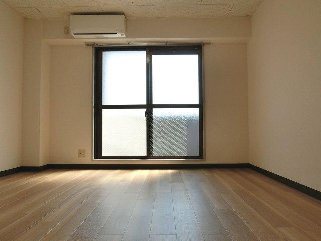 ファーストマンション 洋室