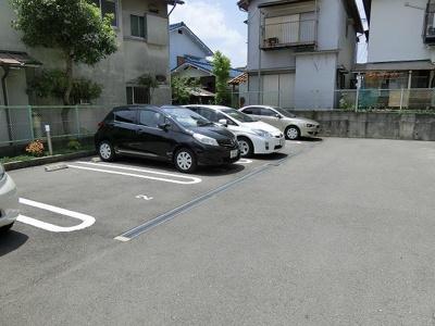 【駐車場】サンウィステリア春日