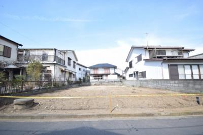 建築条件無しの売地(土地)なので、お好きなハウスメーカー(大和ハウスさん・へーベルさん・パナホームさん・三井ホームさん)等など。坪数もあり、容積率も100%あるのでしっかり建てれます☆