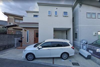 平成28年8月建築!駐車2台可!たっぷりお洗濯物が干せる広々バルコニー付き!