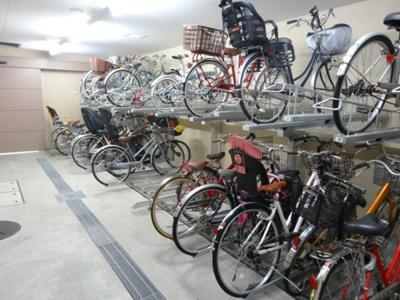 ライオンズ東京根岸グランフォート 駐輪場