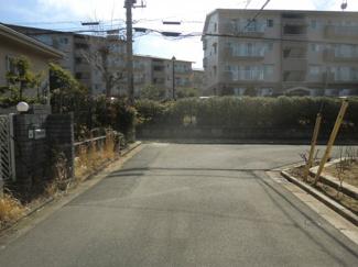 市原市ちはら台南 中古一戸建て 鎌取駅 二方向道路面の角地なので開放感があります♪