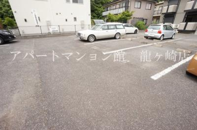 【駐車場】クレスト藤ヶ丘ⅡB棟