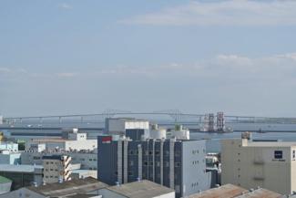 バルコニーから東京ゲートブリッジが望めます。