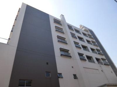 6階建ての3階部分にあります。