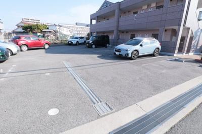 【駐車場】フォンティーヌ