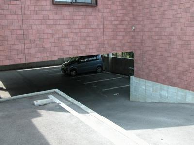 【駐車場】MK希