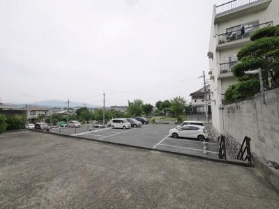 【駐車場】高見松葉マンション