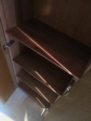 玄関にシューズボックスがあります