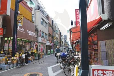 戸越銀座商店街で食べ歩きができます!