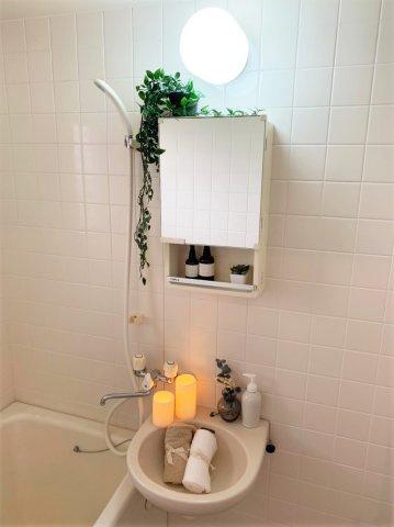 人気のバス・トイレ別です♪トイレが独立していると使いやすいですよね☆窓のあるトイレで換気もOK☆嫌なニオイがこもりません♪