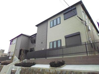 小田急線「百合ヶ丘」駅より徒歩圏内!設備充実・築浅の2階建てアパートです♪