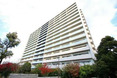 地上15階建てマンションの10階部分なので見晴らしが良いです(^◇^) アリオ鳳が南向い!鳳公園西側に隣接♪