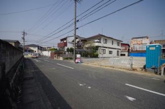 2号棟 前面道路含む現地(2018年04月)撮影