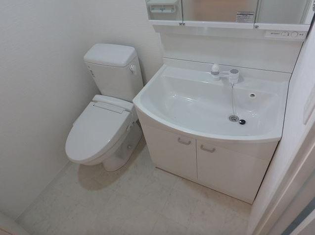大きな3面鏡洗面化粧台