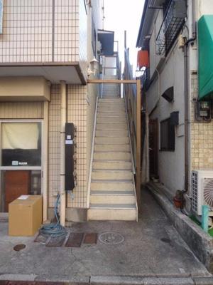 大竹ビル 共用階段