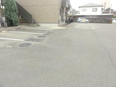 【駐車場】セジュール大川 B棟