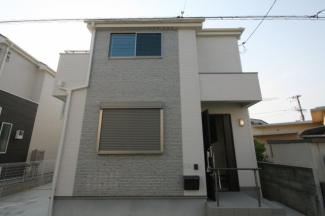 堺市西区上に新築一戸建てです 同等仕様設備の外観です  駐車場2台可能